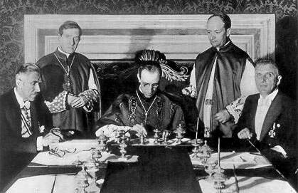 1933-07-20: Signing the concordat between Germany & the Vatican. Franz von Papen on the left.