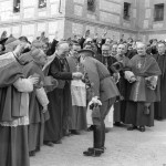 Franco greets the attending prelates, among them the nuncio Cicognani and the bishop of Madrid-Alcala, Eijo Garay, 1944