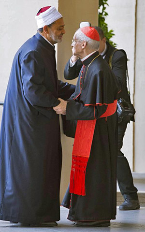 Jesuit Cardinal Jean-Louis Tauran (R) welcomes Ahmad Al-Tayyib (L), the Grand Imam of the Al-Azhar Mosque, for their meeting with Pope Francis at the Vatican, 23 May 2016, Photo: EPA