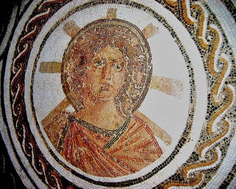 Ne ne, toto skutečně není Ježíš... | Jesus? Solar Apollo with the radiant halo of Helios in a Roman floor mosaic, El Djem, Tunisia, late 2nd century.