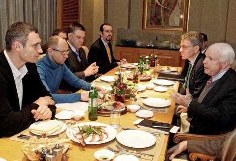 John McCain wines and dines with well-known Ukrainian fascists in Kiev, 2013-12-14