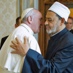 Pope Francis greets Sheikh Ahmed Mohamed el-Tayeb (R), Egyptian Imam of al-Azhar Mosque at the Vatican, May 23, 2016. Photo: Osservatore Romano