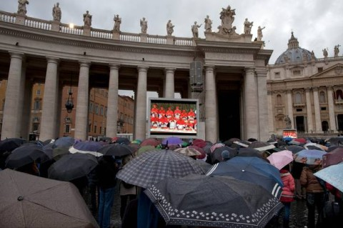 Pope election, Crowds in St Peter's Square (Source AP, Oded Balilty)