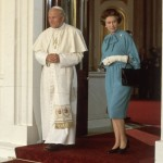 Queen-pope-john-1982 the Queen became the first monarch since the Reformation to welcome a pope to Britain