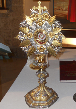 Monstrance containing a tiny relic bearing Pope John Paul II's blood, stolen from San Pietro della Ienca chapel, in the Apennine mountains, near L'Aquila, Italy, San Pietro della Ienca cultural association.