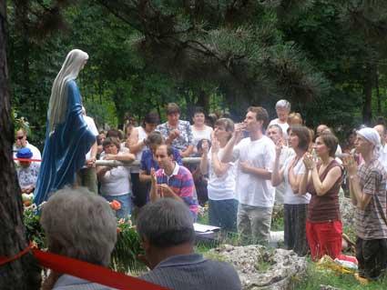 Dechtice, Trnava, Slovensko, zjevení Panny Marie-Královny pomoci